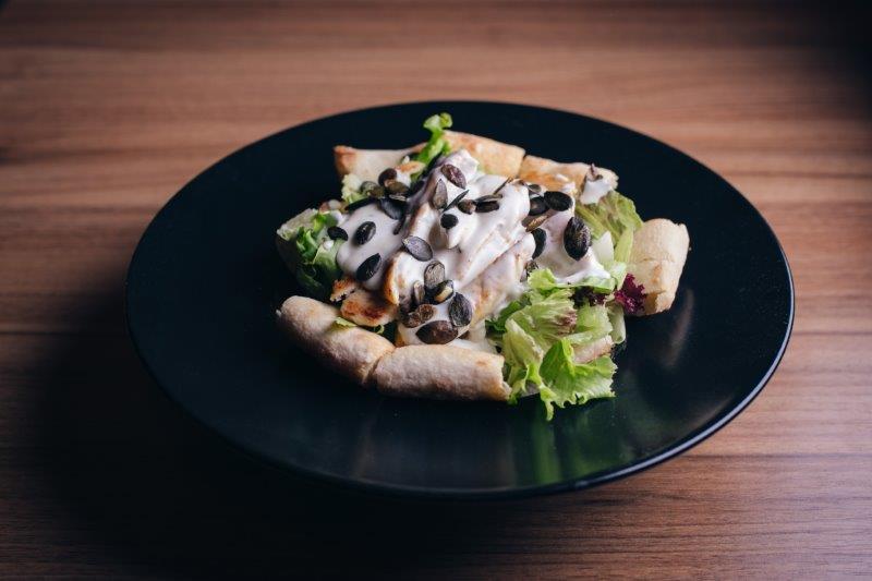 Pileća salata u gorgonzola sosu